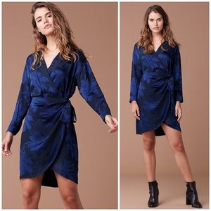 DVF 3/4 sleeve mini wrap dress